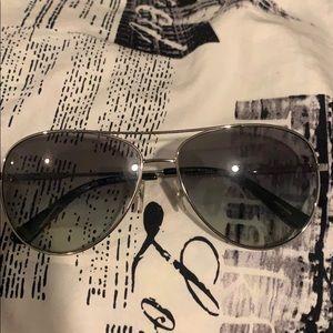 Tory burch aviator sunglasses with tory burch case